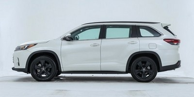 Новая спецверсия Toyota Highlander Knight Edition